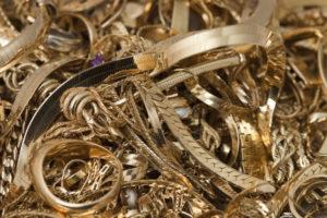 продать лом золота в Москве